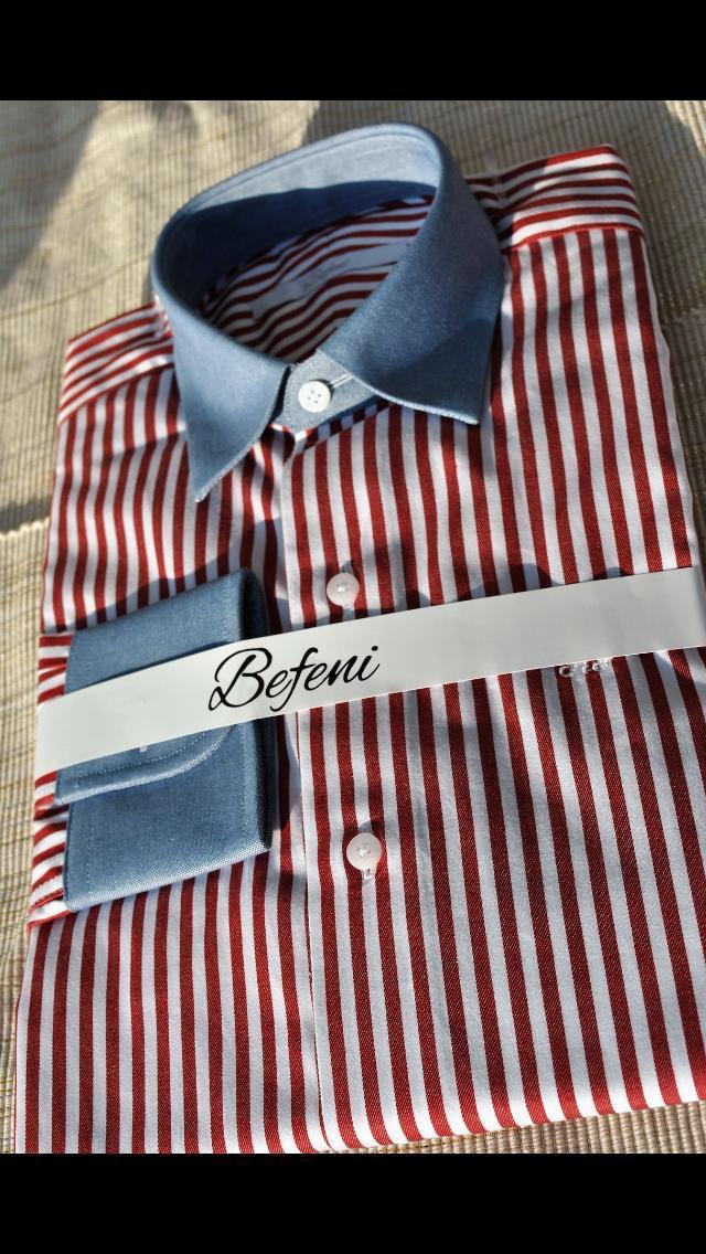 Rot/weißes Hemd mit Stehragen